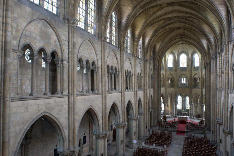 l'abatial saint-Leu d'Esserent - nef